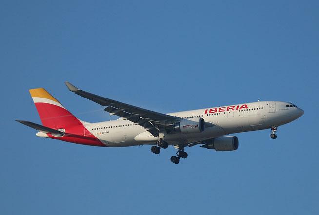 "A 330-302  "" EC-MMG ""  Iberia -1"