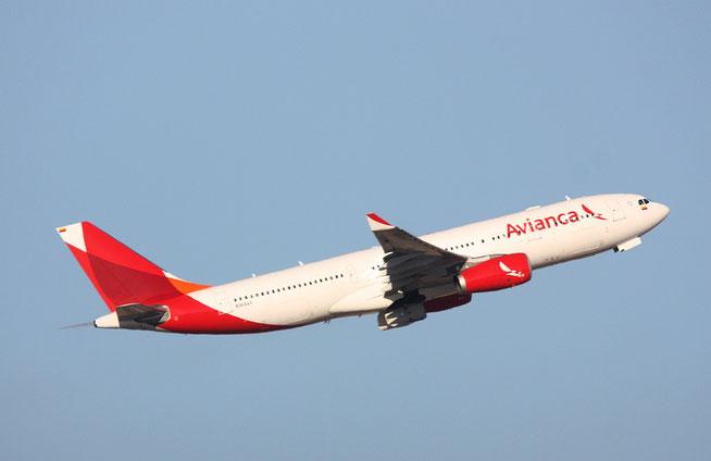 """A 330-243  """" N968AV """"  Avianca -1"""