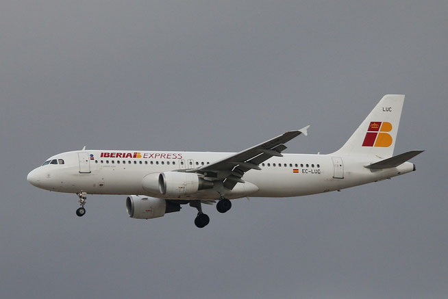"""A 320-214  """" EC-LUC  """" Iberia Express -5"""