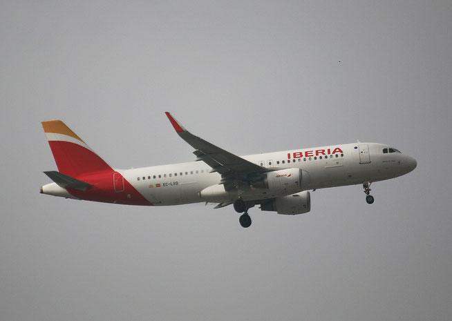 """A 320-216 """" EC-LXQ """"  Iberia -2"""