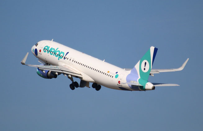 "A 320-214(W) "" EC-LZD "" EVELOP Airlines -4"