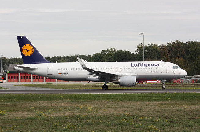 "A 320-214/W  "" D-AIUM ""  Lufthansa -1"