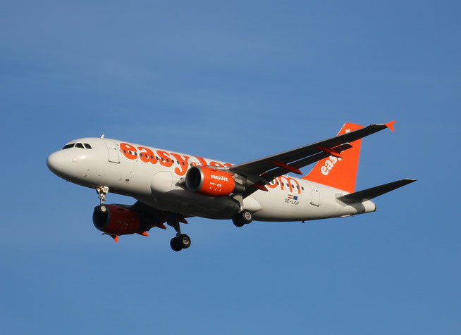 "A 319-111  "" OE-LKH ""  easyJet -1"