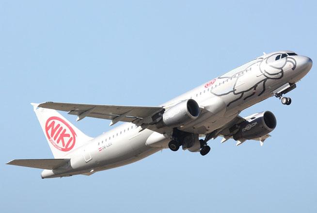 "A 320-214  "" OE-LEA "" Niki -1"