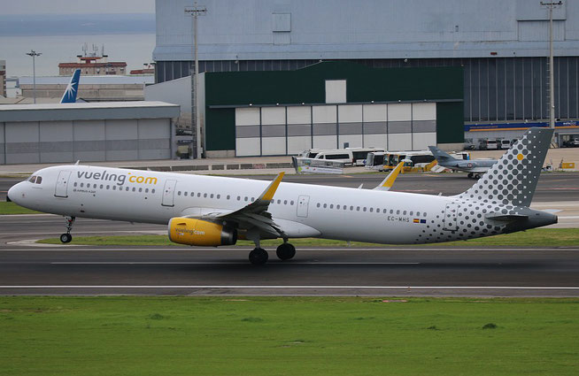 "A321-231 (W) "" EC-MHS ""  Vueling Airlines -1"