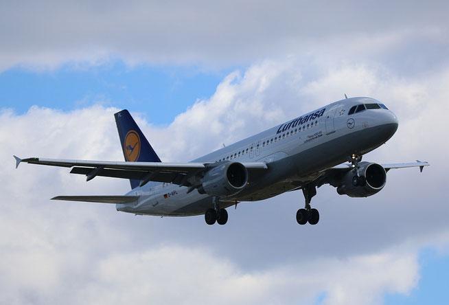 "A 320-211  "" D-AIPL ""  Lufthansa -2"