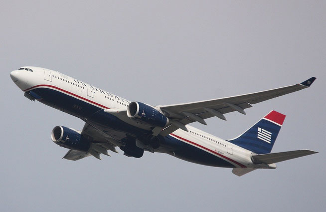 A330 N285AY-1