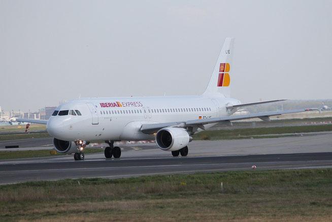 A320 EC-LYE-1