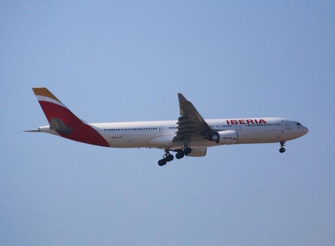 """A 330-302 """" EC-LUX """"  Iberia -3"""