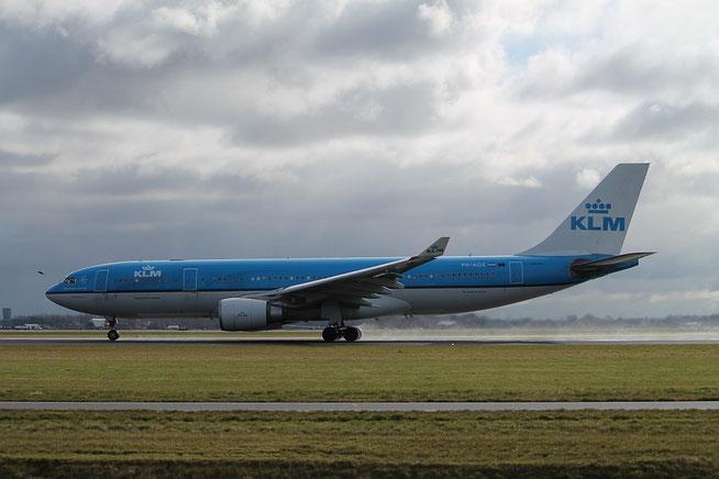 "A 330-203  "" PH-AOE "" KLM Royal Dutch Airlines -1"
