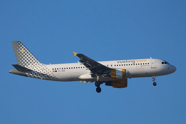 "A 320-214  "" EC-MBM "" Vueling Airlines -1"