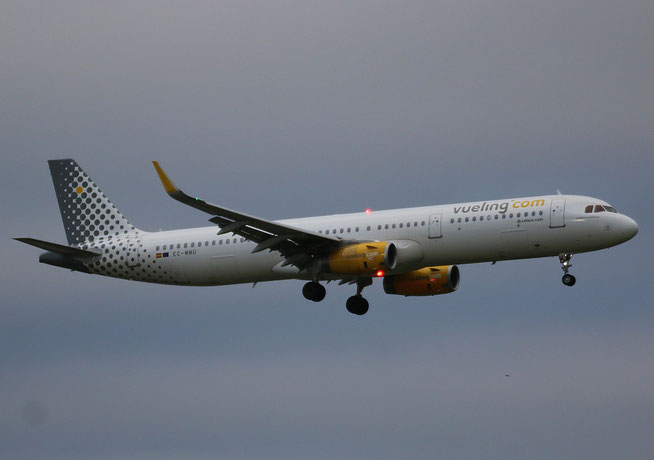 "A321-231 (W) "" EC-MMU ""  Vueling Airlines -2"