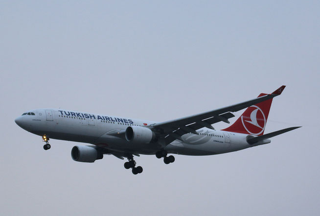 "A 330-223  "" TC-JIR "" Turkish Airlines -1"