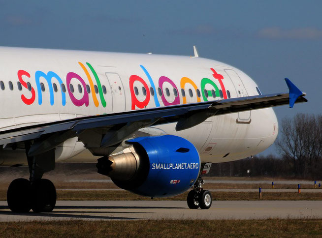 "A 321-211 "" SP-HAX "" Small Planet Airlines Poland -2"