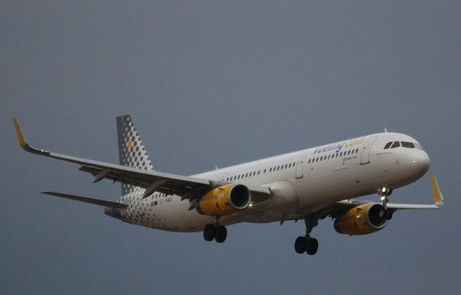 "A321-231 (W) "" EC-MMU ""  Vueling Airlines -1"
