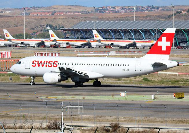 """A 320-214  """" HB-IJB """"  Swiss -2"""