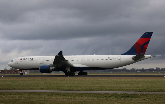 A330 N817NW-1