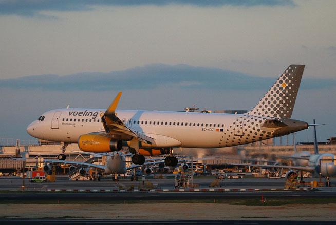"A 320-232(W)  "" EC-MOG ""  Vueling Airlines -2"