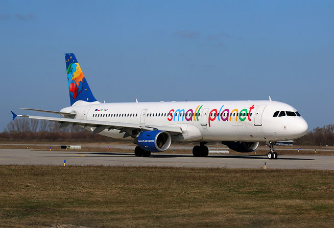 "A 321-211 "" SP-HAX "" Small Planet Airlines Poland -1"
