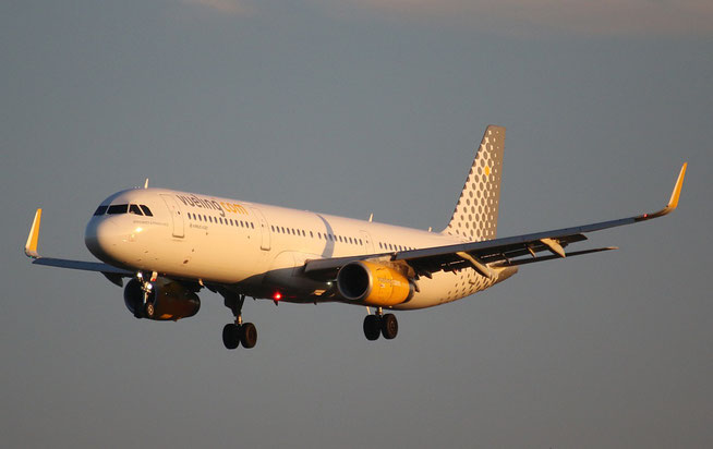 """A321-231 (W) """" EC-MHB """"  Vueling Airlines -1"""