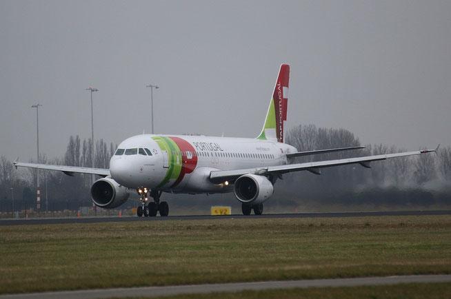 A320 CS-TNH-1
