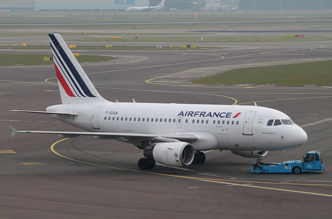 "A 318-111  "" F-GUGN "" Air France -3"