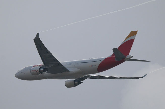 """A 330-302  """" EC-MJT """"  Iberia -2"""