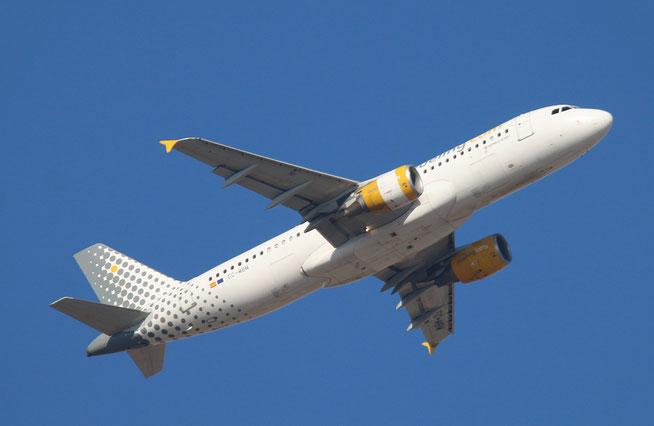 "A 320-214  "" EC-MBM "" Vueling Airlines -2"