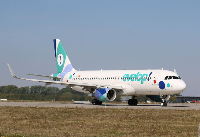 "A 320-214(W) "" EC-LZD "" EVELOP Airlines -3"