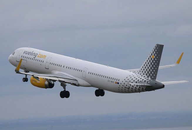"A321-231 (W) "" EC-MHS ""  Vueling Airlines -2"