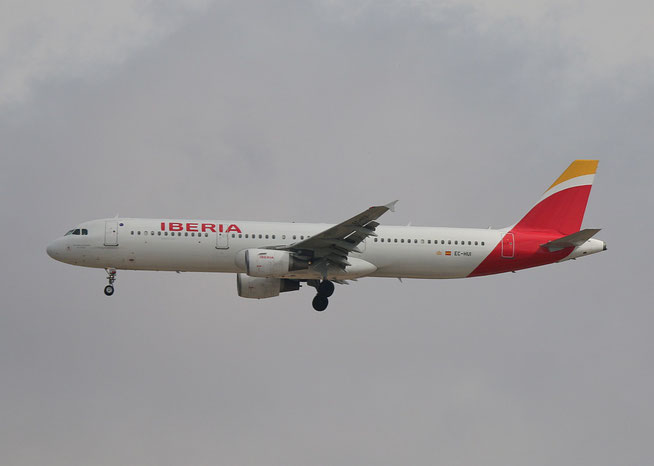 "A 321-211 "" EC-HUI ""  Iberia -4"