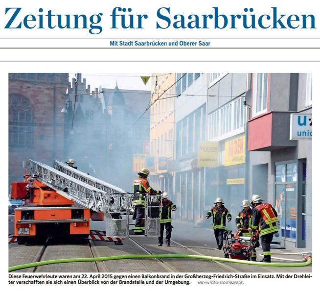 Blog, Balkonbrand GHF Feuerwehr vor dem Ladenlokal der Müden Reinigung