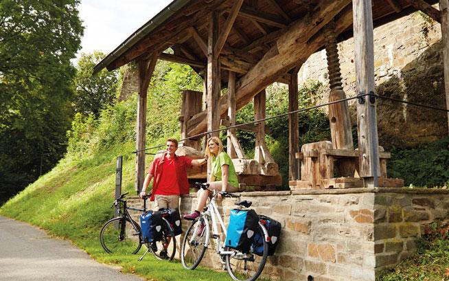 An der Weinpresse: Besonders jetzt gibt es laut ADFC in Rheinland-Pfalz rund um Wein und Reben so einiges per Fahrrad zu entdecken © ADFC/Markus Gloger