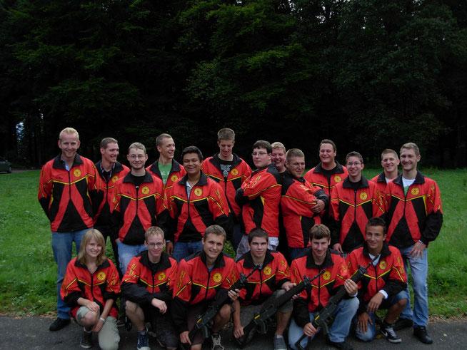Die erfolgreichen Jungschützen 2012 mit ihren Leitern