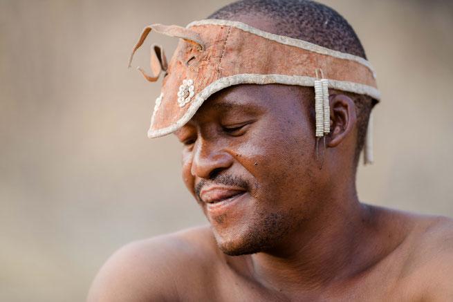 san | bushmen | dinaka | kalahari | botswana
