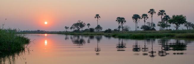 sonnenuntergang gunns camp | okavango delta | botswana