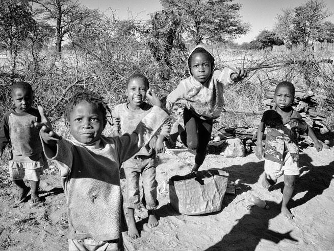 bettelnde kinder | ngepi camp | caprivi strip | namibia