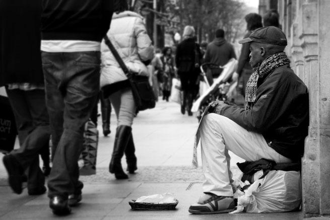 Bettler auf Straße