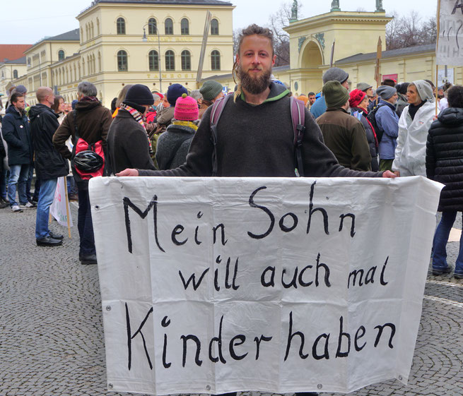 Die  Bürgerinitiative STOP 5G! Hallertau, Mainburg beteiligte sich auch an der Demonstration zum globalen Protesttag STOP 5G! in München, am 25.1.2020 (Foto JCL)