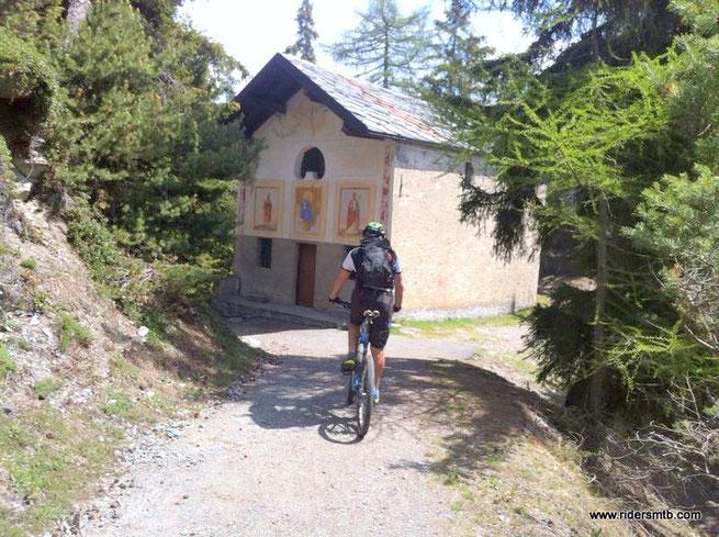 La chiesa al Colle St. Pantaleon