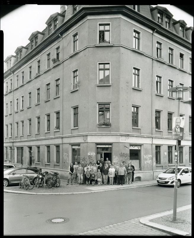 Haus, Hausgemeinschaft, Plattenkamera, 2017, Entmietung, Reclamstrasse 51, Leipzig, Rabet, Korbmacher, Gentrifizierung, Leipziger Osten
