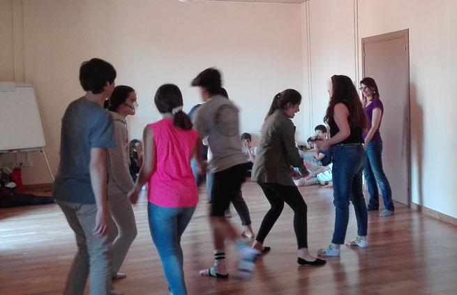 Sessió de Biodansa amb adolescents al Col·legi Sant Ignasi - Jesuïtes Sarrià de Barcelona