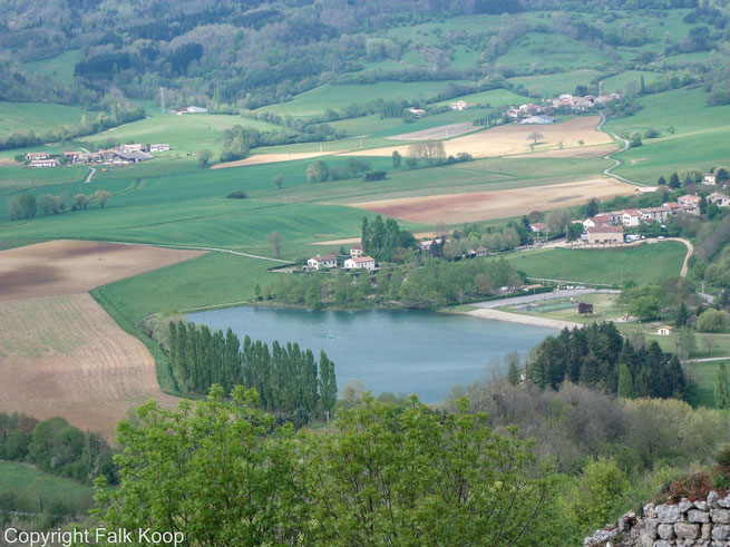 Bild: Blick auf den kleinen See vor Puivert