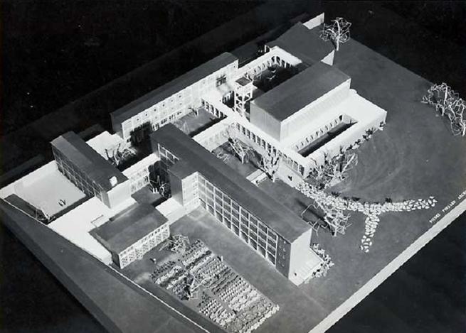 MAQUETTE D'ORIGINE DU COUVENT DES DOMINICAINS DE LILLE : CONSTRUIT DE 1955 à 1965.   CABINET ARCHITECTURE PIERRE PINSARD (1906-1988).