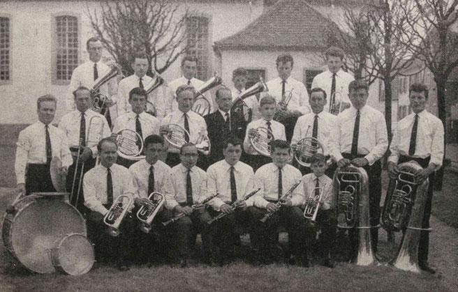 """Musikverein """"Bienwaldkapelle"""" im Jahr 1966"""