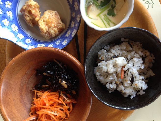 三春ハーブ花ガーデン レストランSarara 和定食風も楽しめます