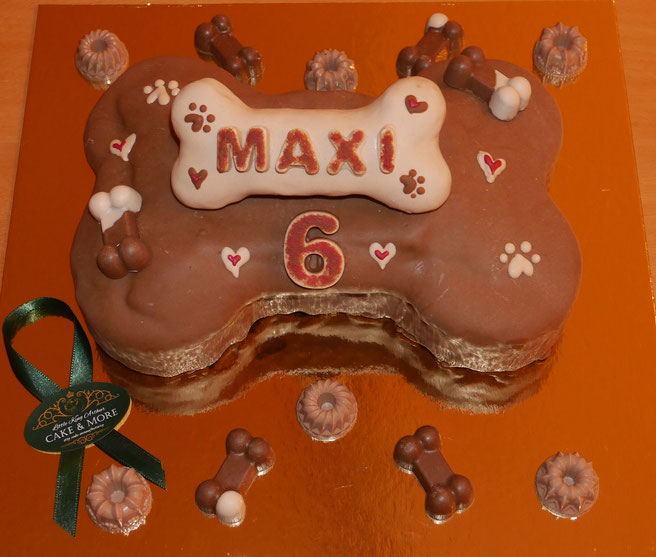 Little King Arthur Cake & More , Hundekuchen, Geburtstagskuchen für Hunde, Birthday cake for dogs