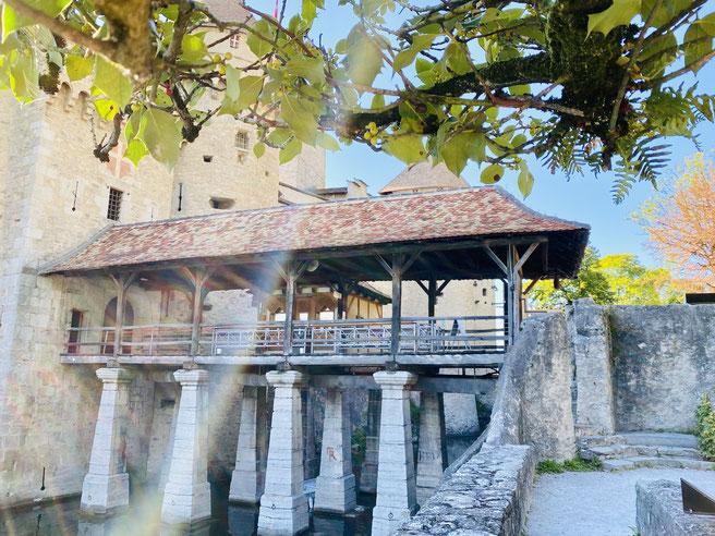 Brücke zum Schloss Chillon