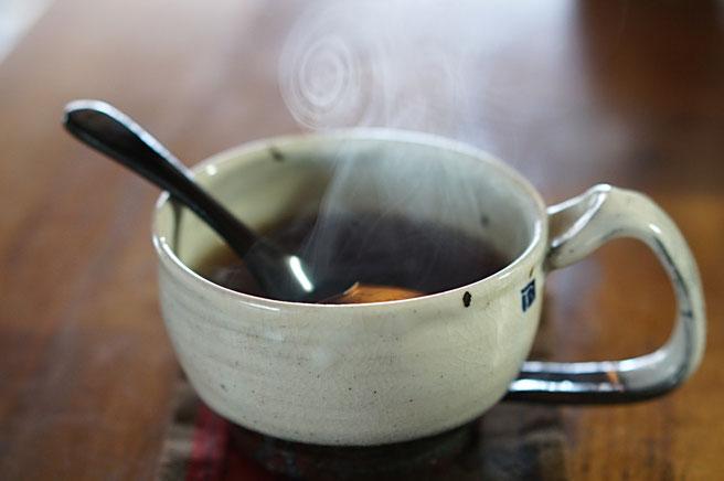 仲本律子 R工房 女性陶芸家 土鍋作品 ブログ 土鍋ココット 薬膳茶 黒豆シナモン茶 粉引カップ