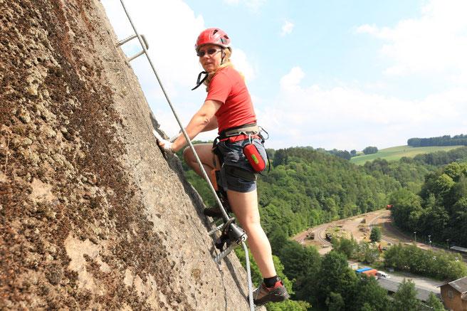 Klettersteig Zittauer Gebirge : Klettersteig die fortbewegung an einem stahlseil im horizontalen